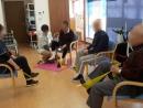 メインの運動であるゴム体操は ゆっくり丁寧に進めています。