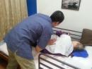 ベッド上でのリラクゼーション 筋肉をほぐし、血行促進の効果があります。